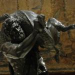Statue d'Hercule portant le sanglier d'Erymanthe