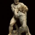 Statue d'Hercule en train de battre le lion de Némée